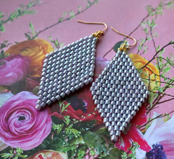 Diamond shaped dangle earrings in soft lavender