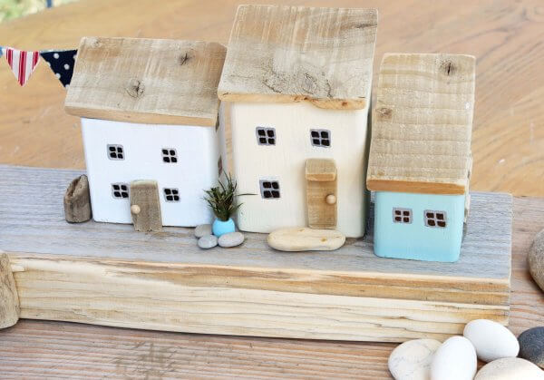 Wooden Harbour Scene Ornament