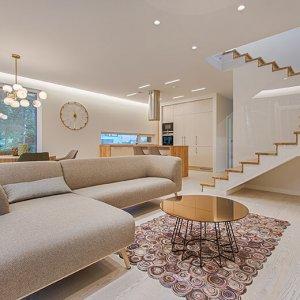 Furniture, Lighting & Home Décor